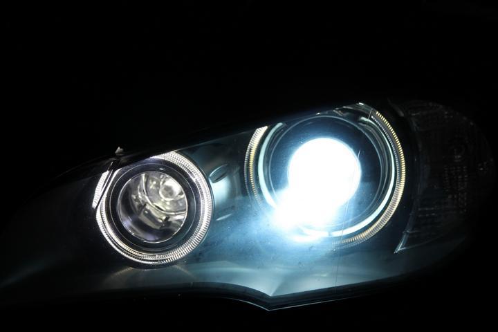 2 x d1s xenon brenner birne lampe audi a3 8p und 8pa 8000k. Black Bedroom Furniture Sets. Home Design Ideas